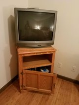 "32"" tv with stand in Temecula, California"