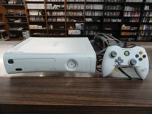 Xbox 360 Complete (White) in Camp Lejeune, North Carolina