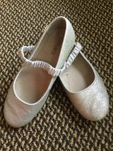 The Children's Place shoes size 3 in Aurora, Illinois
