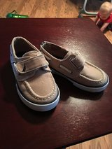 Nautical boat shoe infant size 6 in Perry, Georgia