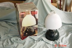 Coleman 5370 1900 Battery Operated Lamp Camping Lantern in Glendale Heights, Illinois