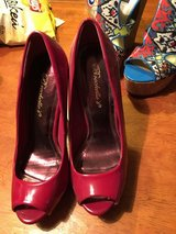 Shoes 5 1/2 in Fort Campbell, Kentucky