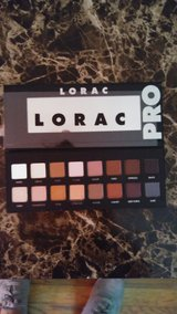 Brand new Lorac pro eye shadow palette in Byron, Georgia