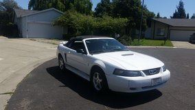 2001 Ford Mustang V6 Auto, Convertible, clean title/carfax 140k in Vacaville, California