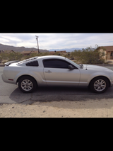2006 Ford mustang in 29 Palms, California