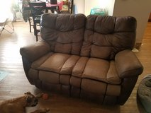 2Seat recliner couch in Fort Bliss, Texas