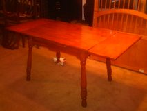 1940'S/1950'S TABLE WITH DOUBLE LEAF in Fort Eustis, Virginia