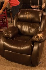 Love Seat w/ Recliner and Corner Piece in Kansas City, Missouri