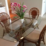 Rattan dining room dinette set, 4 chairs in Tampa, Florida