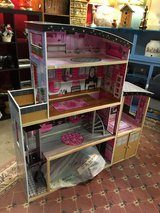 Doll house in Alamogordo, New Mexico