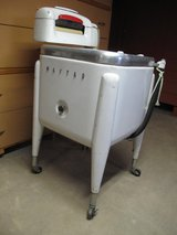 Vintage Maytag Gyratator Ringer Washer in Naperville, Illinois