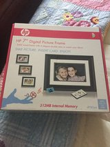 HP digital picture photo frame like new in box in Camp Lejeune, North Carolina