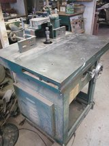 5HP Sliding Table and Tilting Spindle Shaper Grizzly #8622 in Springfield, Missouri