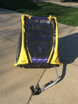 Burley D'Lite 2 seat bike trailer in Elgin, Illinois