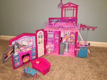 Mattel Barbie Glam Vacation House in Naperville, Illinois