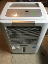 DEHUMIDIFIER: Uberhaus 31L (65 PT) Electronic Dehumidifier in Warner Robins, Georgia