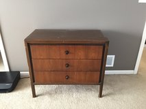 3 drawer dresser in Naperville, Illinois