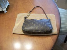 Authentic Louis Vuitton purse in Baytown, Texas