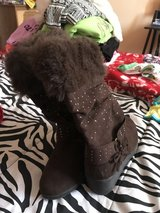 Girls boots sz 4 in Alamogordo, New Mexico