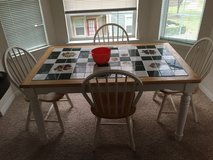 Kitchen table with 4 chairs in Converse, Texas