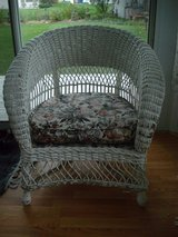 Vintage wicker arm chair**American chair co**Merikord in Algonquin, Illinois
