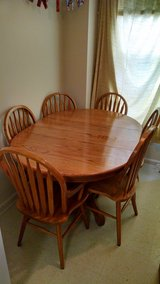 Solid Oak Table w/6 chairs $150 in Fort Carson, Colorado