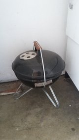 "Mini 14"" WEBER Grill in Fairfield, California"