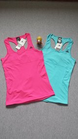 Brand new Adidas gym/yoga top for sell in Westmont, Illinois