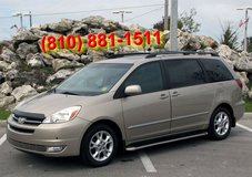 AWD 2005 Toyota Sienna Clean title 73k in Tampa, Florida