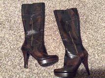 Guess boots 7.5 in Fort Carson, Colorado