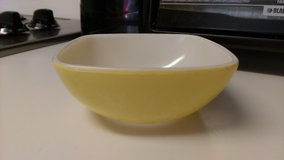 Vintage yellow pyrex in Warner Robins, Georgia
