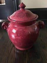 Vase/cookie jar in Elgin, Illinois