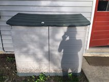 5x2 Rubbermaid outdoor storage container in Lockport, Illinois