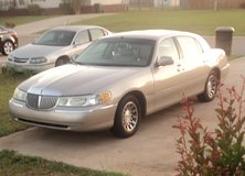 2002 Lincoln Town Car in Warner Robins, Georgia