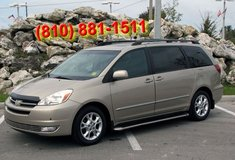 1 owner 2005 Toyota Sienna Limited clean in bookoo, US