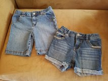 Girls Jean Shorts, Size 6/6X (Adjustable) in Fort Campbell, Kentucky