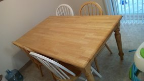 Dining table & 4 chairs in Fort Lewis, Washington