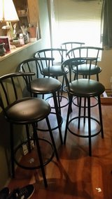 6 bar stools in Perry, Georgia