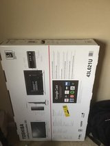 "Toshiba 43L621U - 43"" LED Smart TV - 4K UltraHD – Like new  in schaumburg in Bartlett, Illinois"