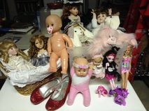 Dolls and such in Perry, Georgia