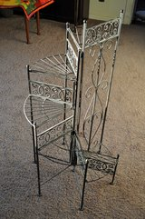 Metal Flower Stand in Alamogordo, New Mexico