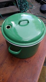 Green enamel sturdy German Canning Pot in Wiesbaden, GE