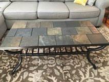 Coffee table & 2 matching end tables in Glendale Heights, Illinois