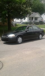 Need gone today!! 99 Civic 129k 32 mpg in Fort Campbell, Kentucky