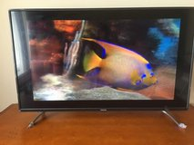 "Toshiba 43L621U - 43"" LED Smart TV - 4K UltraHD – Like new  in schaumburg in Glendale Heights, Illinois"