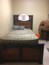 Twin bed in Batavia, Illinois