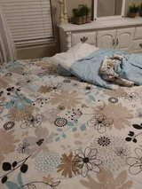 King Comforter Bedding Set Excellent Condition in Kingwood, Texas