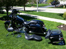 2011 HARLEY STREETGLIDE FLHX - EXCELLENT CONDITION in Lockport, Illinois