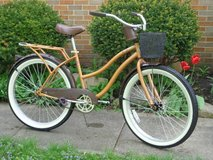 Huffy Women's Beach Cruiser Bike in Glendale Heights, Illinois