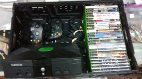Original Xbox console with 25 games in Glendale Heights, Illinois